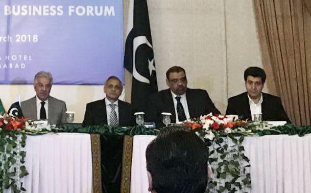 سلاحورزی در همایش تجاری ایران و پاکستان در اسلامآباد مطرح کرد : تجارت ۵میلیارد دلاری ایران و پاکستان دور از دسترس نیست