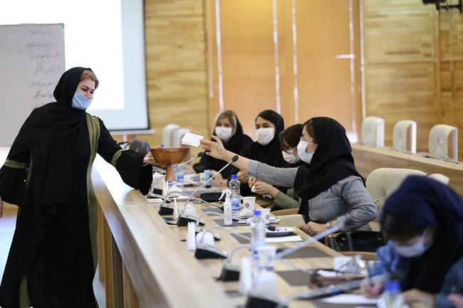 انتخابات هیات مدیره کانون زنان بازرگان لرستان برگزار شد